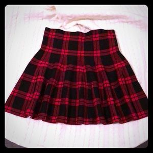 Black and red plaid mini sweater skirt size L